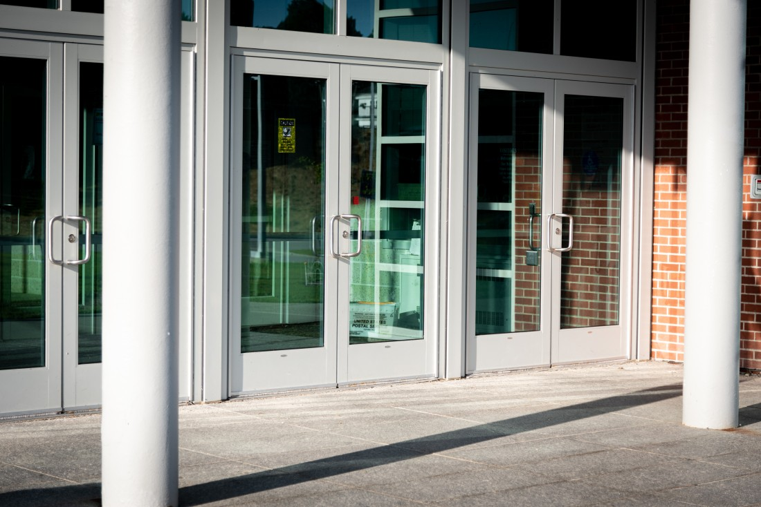 Commercial Door Installation, Repair & Maintenance Services: Roseville | Great Lakes Security Hardware - AdobeStock_285868430