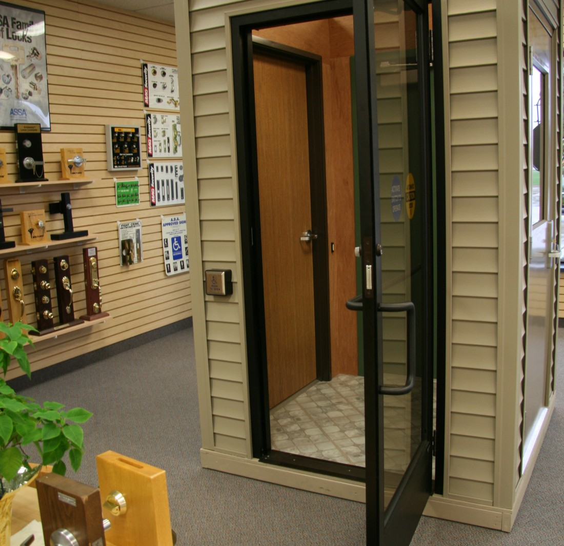 Commercial Entry Door Installation & Repair: Roseville | Great Lakes Security Hardware - sdvsdvsdv